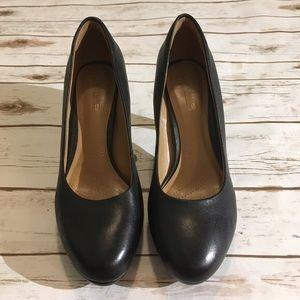 Clark's soft cushion heels